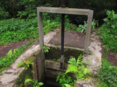 регулировка уровня воды