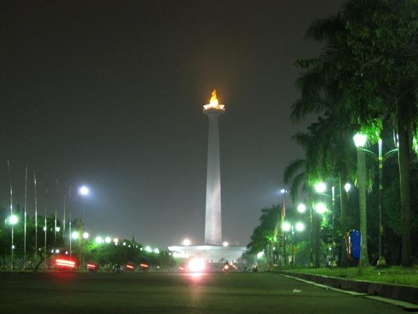 Джакарта ночью 2