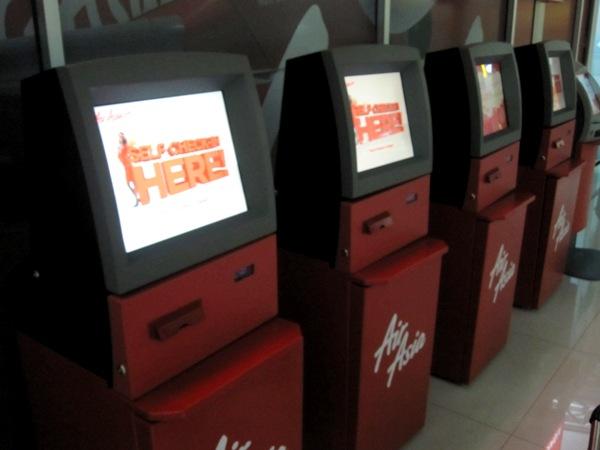 Автоматы регистрации Airasia