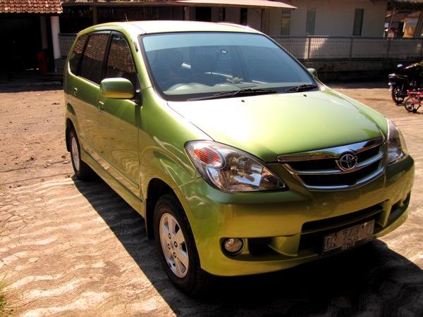 Toyota Avanza для передвижений вокруг Бали