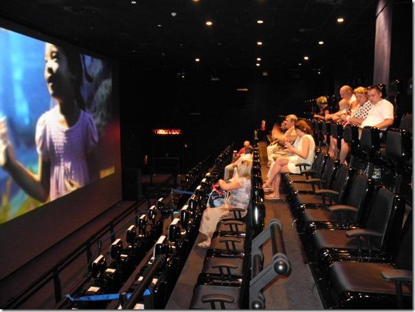 5D кинотеатр в океанариуме Бангкока