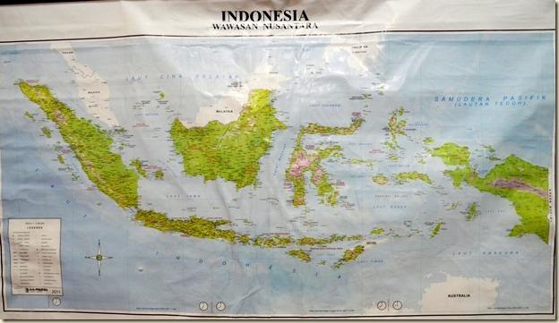 Карта Индонезии в холле отеля