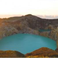 kelimutu_lakes-6_thumb.jpg