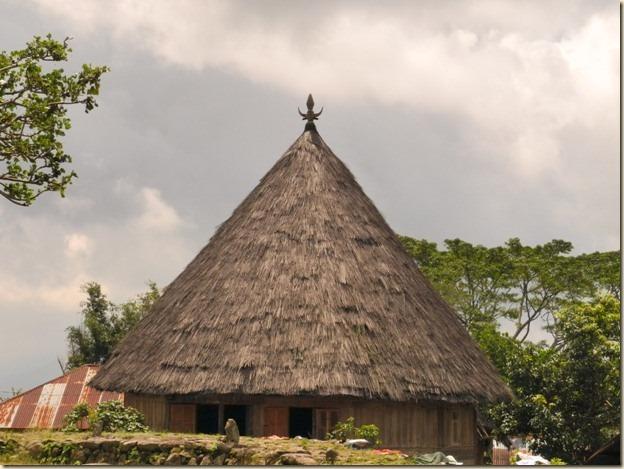 Традиционная хижина в деревне Компанг Рутенг