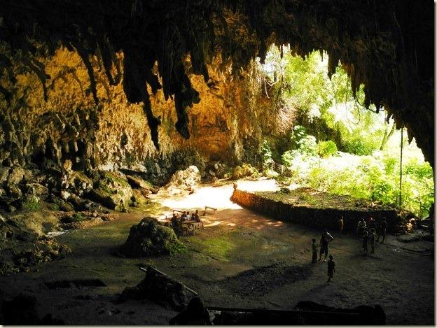 пещера Лианг Буа изнутри