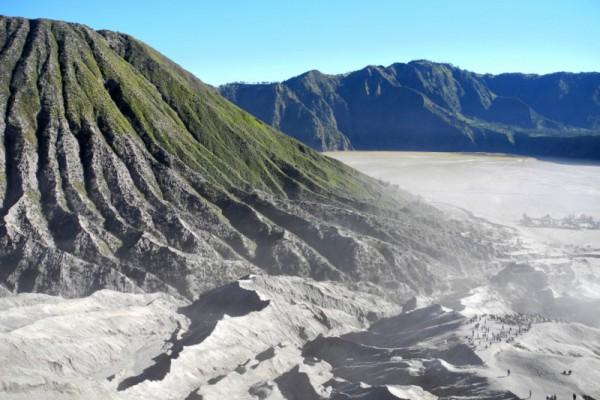 Вид с вершины вулкана Бромо
