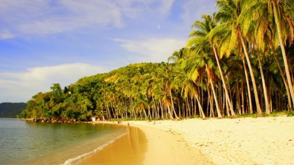 Пляж на юге Эль Нидо