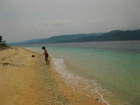 дикий пляж на северо-западе Бали