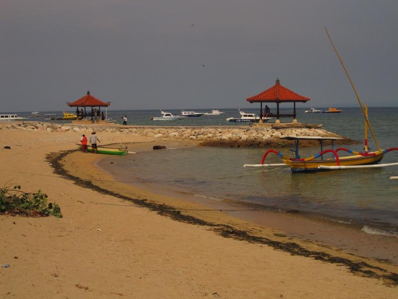 Пляж Санура