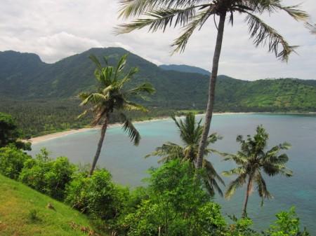 бухта, на западе Ломбока
