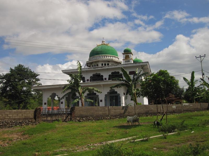 мечеть на северо-западе Ломбока