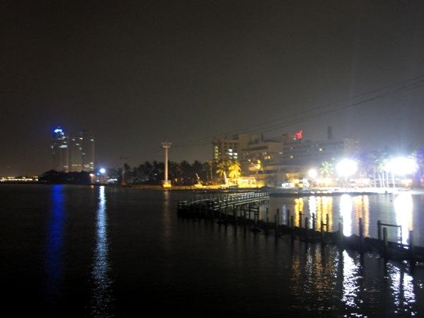 Джакарта ночью 1