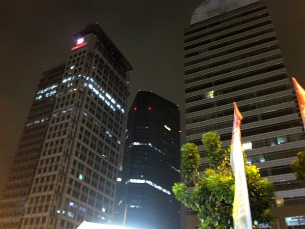 Джакарта ночью 5