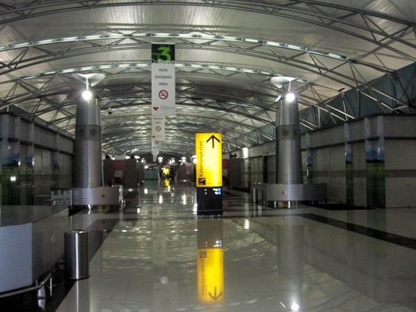 Выход к воротам посадки: второй этаж