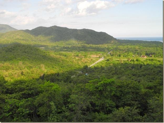 Вид на плато перед Тропикал Бич