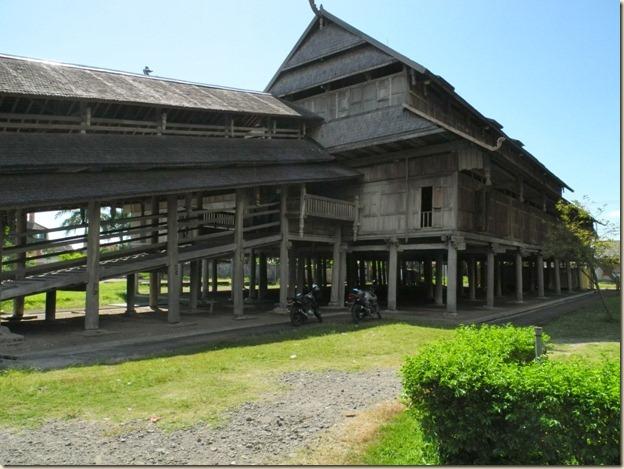 Дворец султана (старый, есть новый)