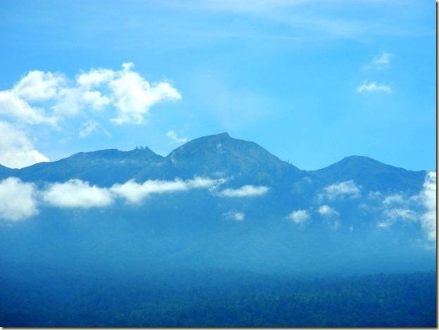 Пик вулкана Тамбора 2851 м