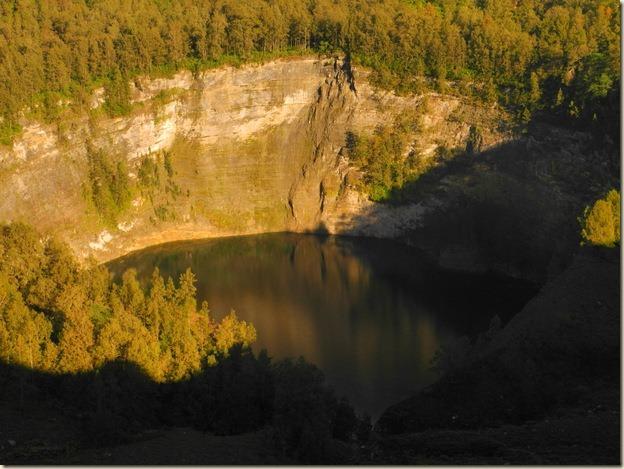Третье озеро - черно-коричневое