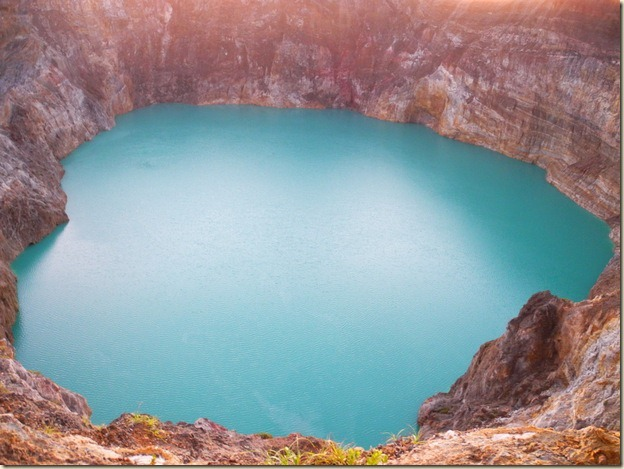 Первое озеро в сумраке рассвета