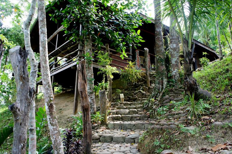 Лесенка к нашему жилье в Сабанге
