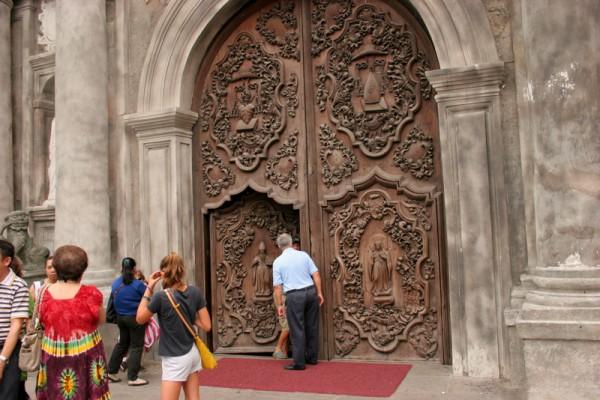 Вход в храм Святого Августина